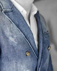 Messagerie veste croisée jeans poitrine