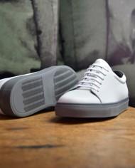National Standard Ed 3 blanc:ciment détail