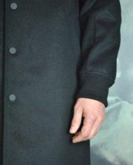 Paolo Pecora mant laine cach noir détail