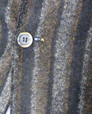 Bob veste rayée bleue détail bouton