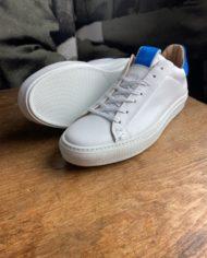 Giorgio sneakers blanche bleu klein détail